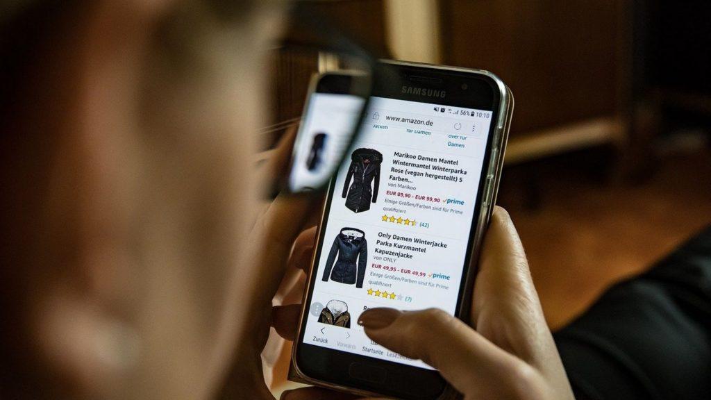 reseaux sociaux clients marketing vente ligne