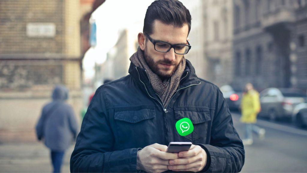 chat WhatsApp messenger telegram instagram